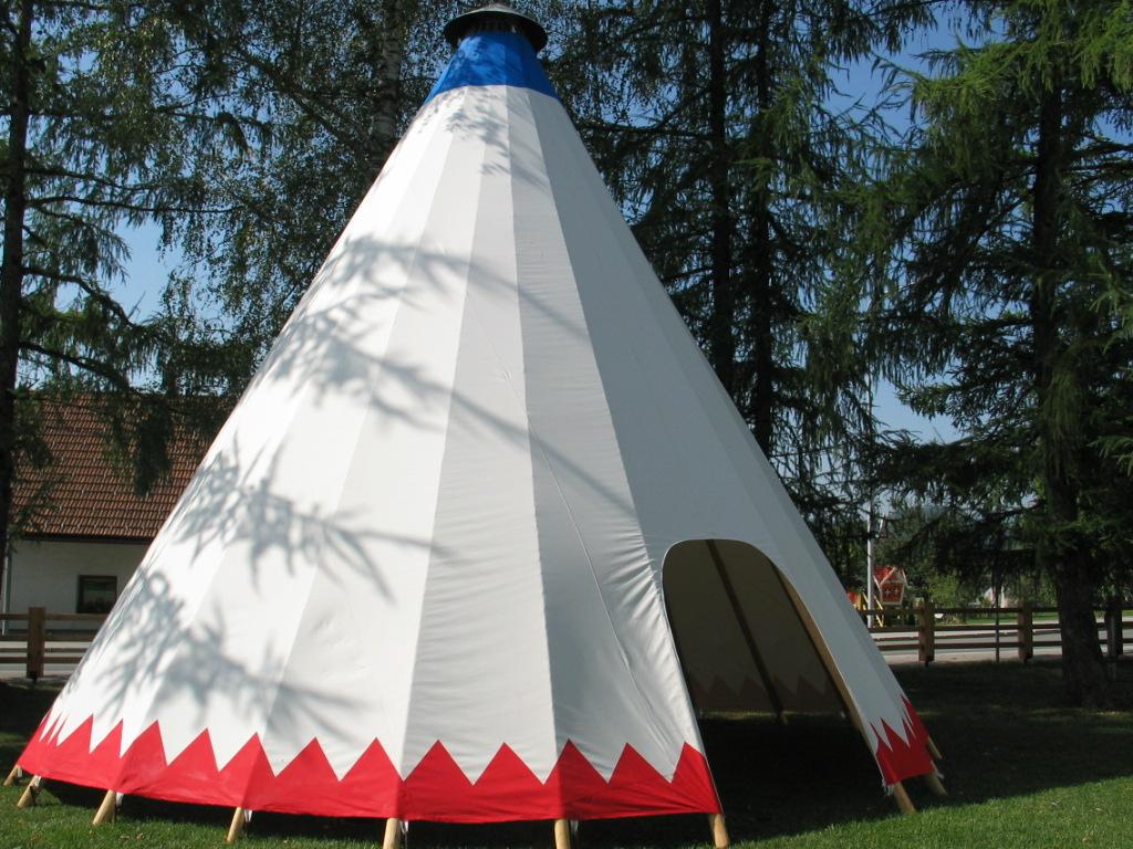 8 m šotor namenjenega za dogodke
