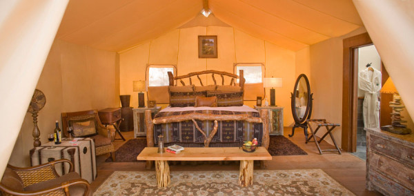 luxuryglampingtents-camp-tent-interior