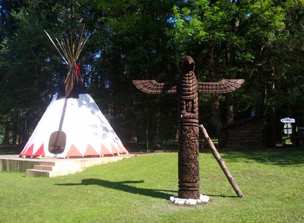 Totem in šotor